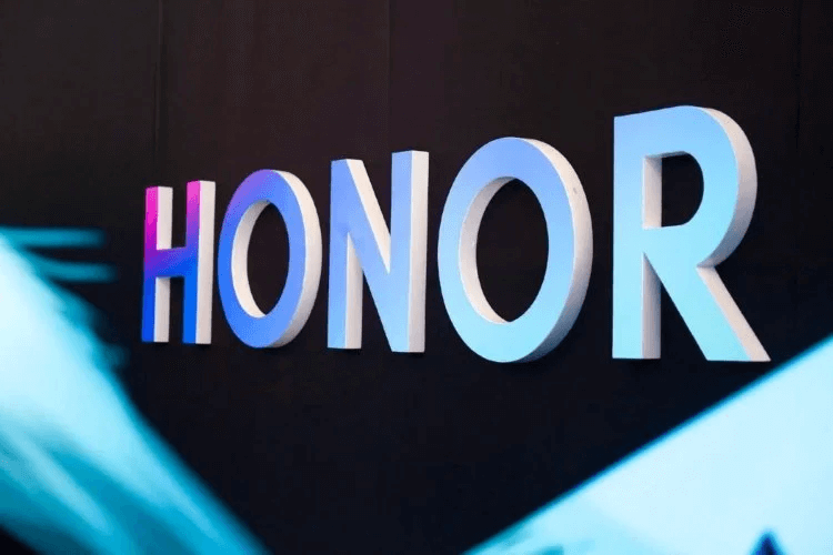 Honor V40 появился в интернет-магазине до анонса. Какой он?