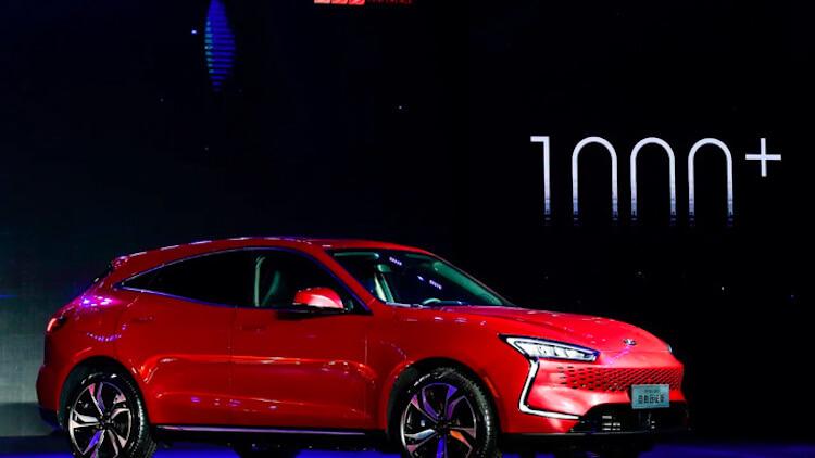 Huawei вкладывает больше миллиарда долларов в электромобили
