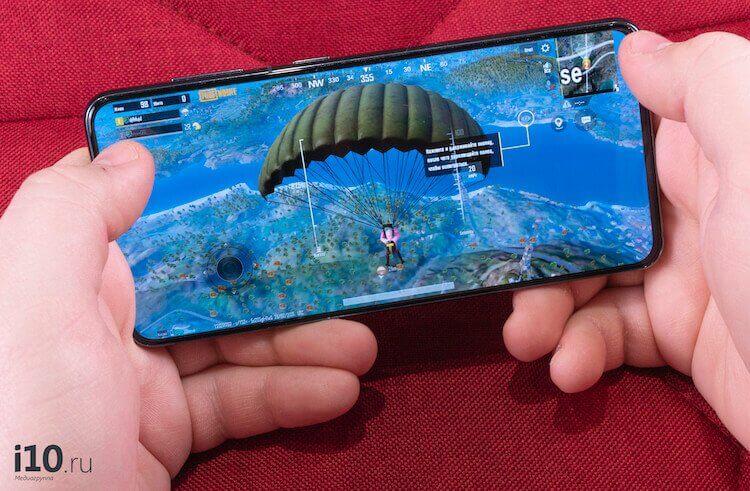 На чем экономит Samsung и почему она выигрывает от этого