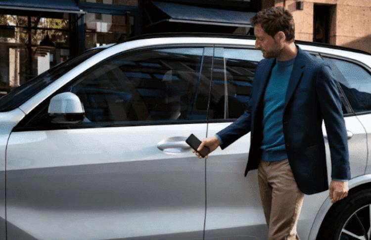 Android 12 позволит открывать машину без ключа. Но не со всех смартфонов