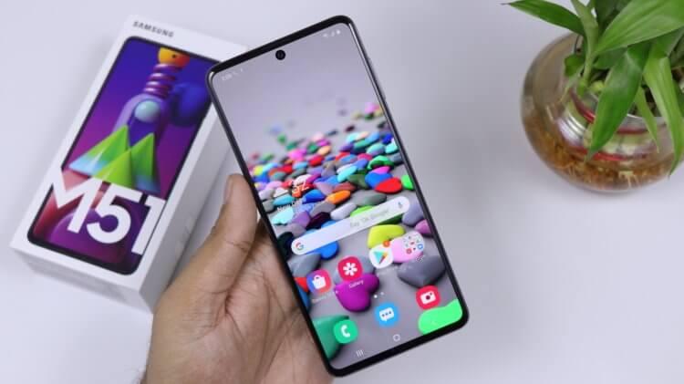 Названы смартфоны 2021 года, которые живут от зарядки дольше всего
