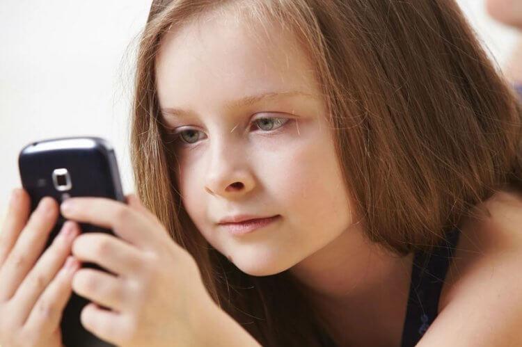 Нужен ли ребенку смартфон
